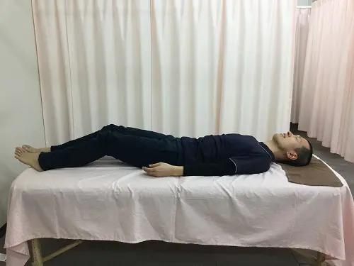 ひざ伸ばし操法2